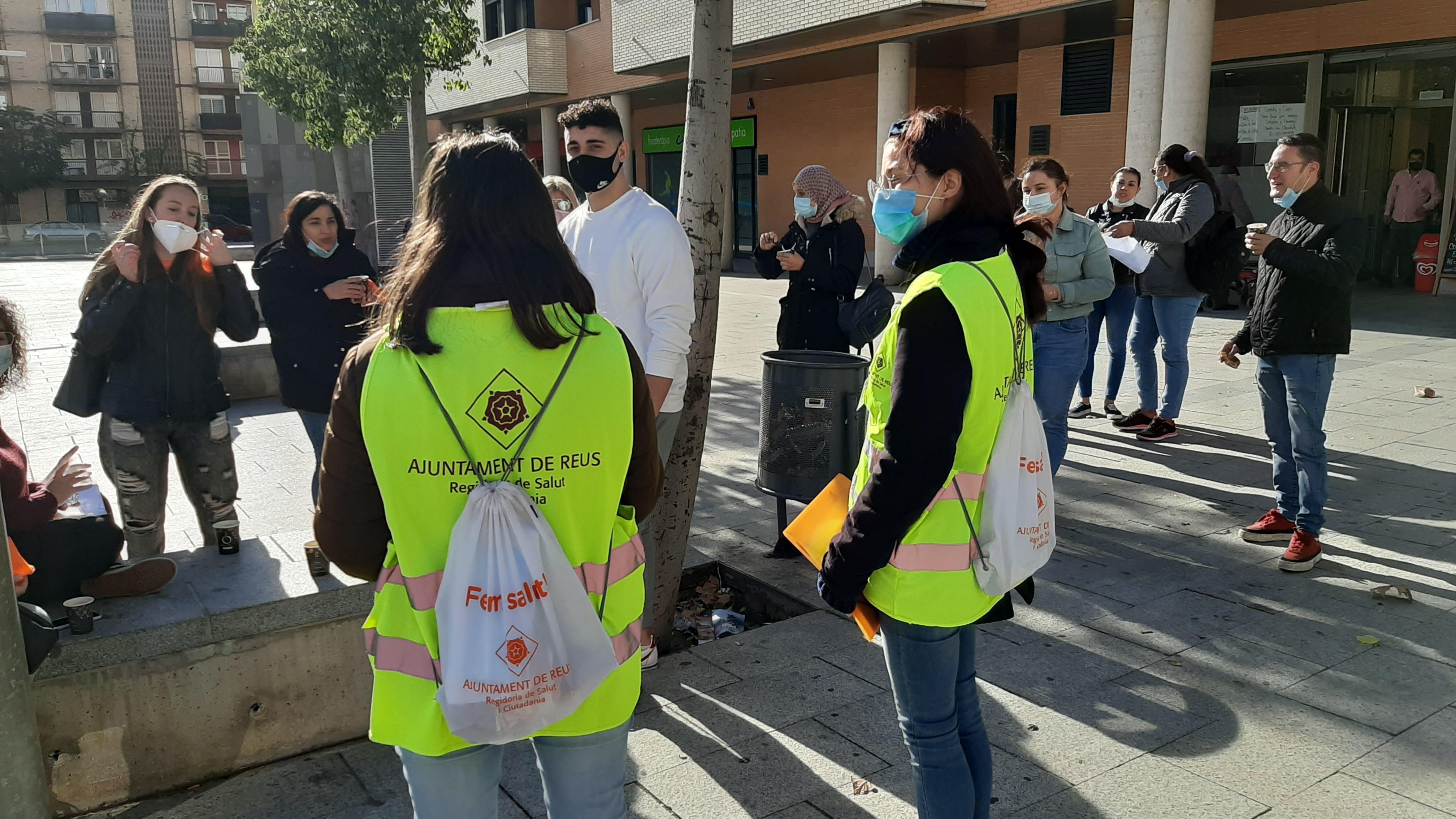 La campanya informativa d'agents de salut de carrer, impulsada per la regidoria de Salut i Ciutadania de l'Ajuntament de Reus,ha comença...