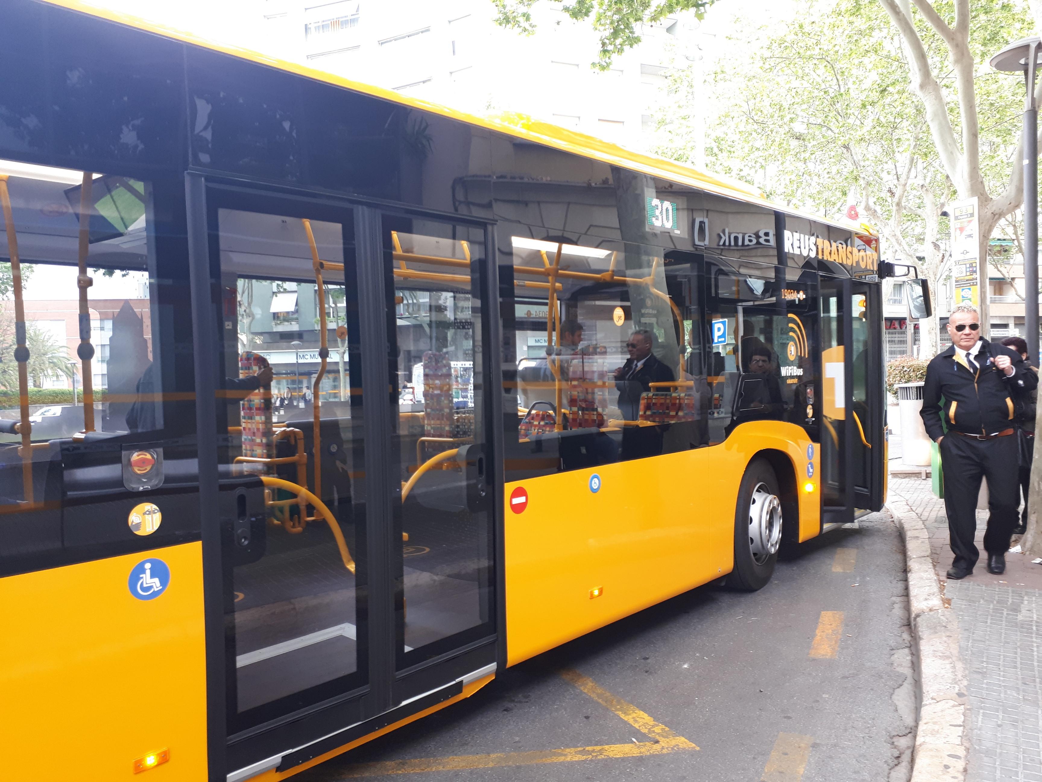 L'Ajuntament de Reus ha acordat prorrogar fins al 26 d'abril la gratuïtat del transport urbà de passatgers de la companyia municipal d'au...