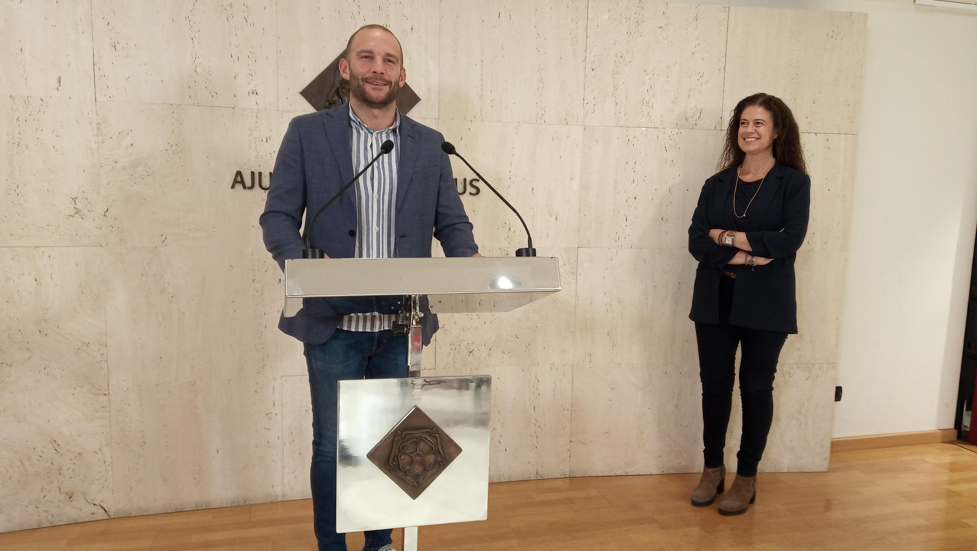 L'Ajuntament de Reus, a través de la regidoria d'Esports, i Reus Esport i Lleure convoquen la 8a edició de la Cursa de la Dona, que t...