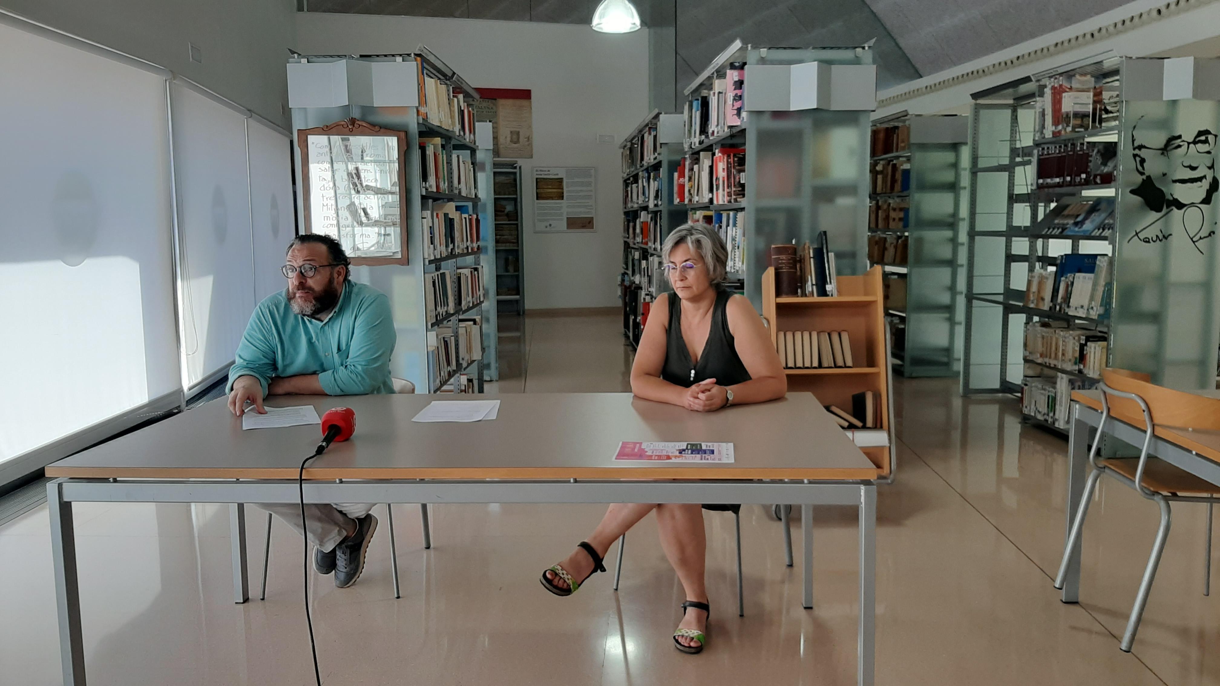 Les Biblioteques Municipals de Reus han presentat aquest matí el calendari d'activitats previst per als mesos de juliol i agost amb l'...