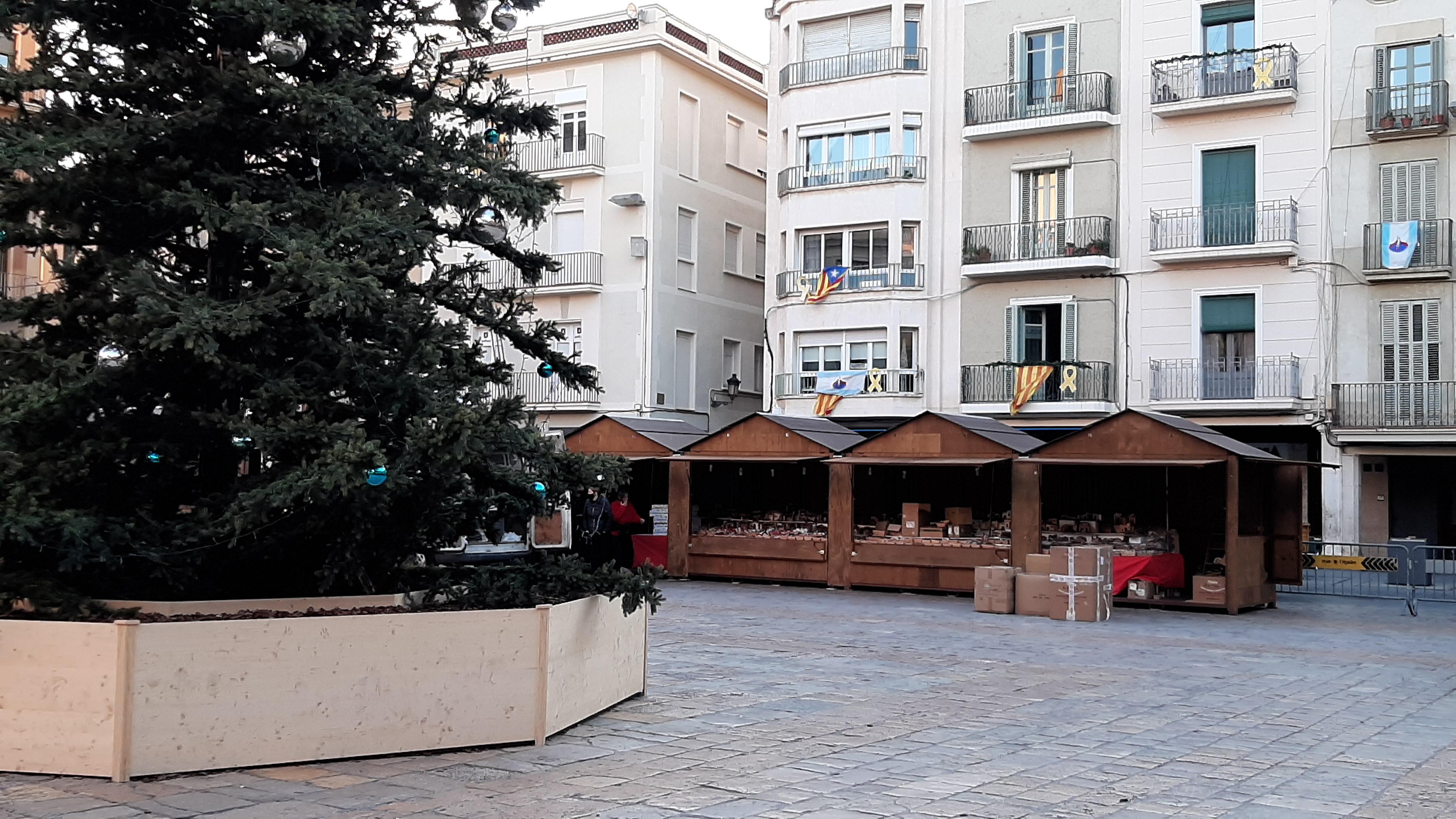 El Mercat de Nadal de Reus obre a partir d'aquest dijous dia 3 de desembre les portes un any més a la plaça del Mercadal. Ateses les mesu...