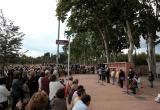 El passeig de la Boca de la Mina inaugura oficialment la plaça de M. Àngels Ollé i l'escultura de la venedora d'anissos