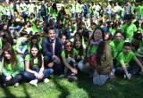 Foto de la campanya de sensibilització ambiental pel centre amb 350 alumnes de secundària