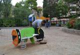 Instal·lació jocs adaptats per a infants amb mobilitat reduïda