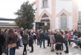 Els autors locals es van trobar a l'exterior de la Biblioteca Xavier Amorós