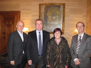 L'alcalde de Reus amb els membres del Comitè Organitzador del 25è Congrés de la Societat Espanyola d'Arteriosclerosis.