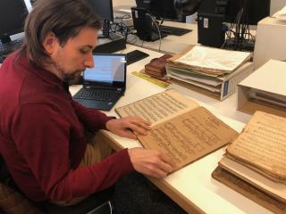 Treballs de descripció del fons musical del Mestre Vidal