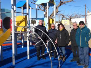 Imatge visita nou parc infantil barri Montserrat Pressupostos participatius