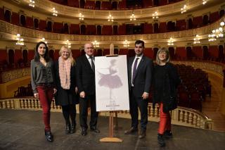 Foto de família presentació Any Roseta Mauri
