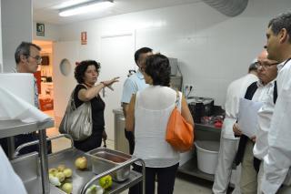 Un moment de la visita d'aquest dilluns al Programa de Gestió Alimentària de Reus