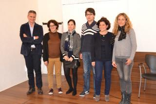 Imatge de la regidora de Benestar Social, Montserrat Vilella, amb altres agents implicats en el projecte