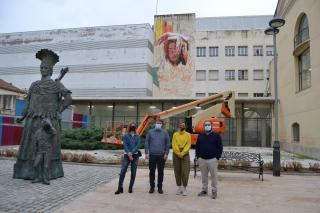 Visita pintura mural 10 anys Casal de Joves