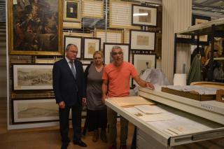 Foto presentació Nit Museus i Patrimoni Reus 2017 sala reserva art museu plaça Llibertat