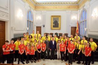 Una de les formacions amb l'alcalde Carles Pellicer