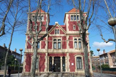 Centre de Normalització Lingüística. Edifici de Mas Vilanova