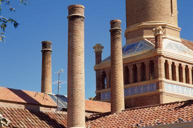 Institut Pere Mata - Fumeres exteriors