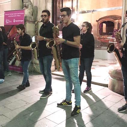 Accedeix a Foto de l'Ensemble de Saxos