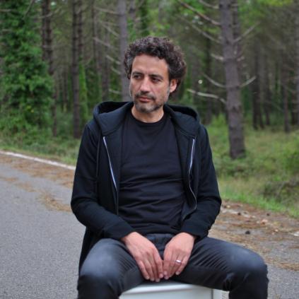 Accedeix a Imatge de Fito Luri, el cantautor protagonista de la primera sessió de Chill Out a la Biblioteca Pere Angera l'1 d'agost