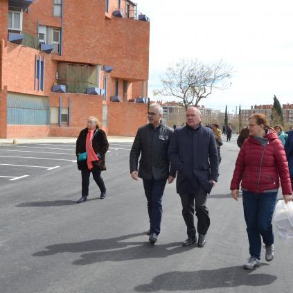 Accedeix a Foto de la visita a l'aparcament del barri Gaudí