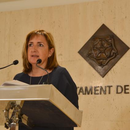 Accedeix a Mari Luz Caballero, regidora d'Hisenda