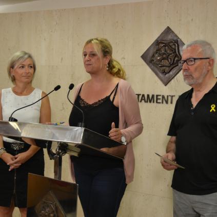 Accedeix a Imatge presentació A Cop de Pedal, amb la representant d'Elring Klinger, la regidora Caelles i Josep M. Galofre