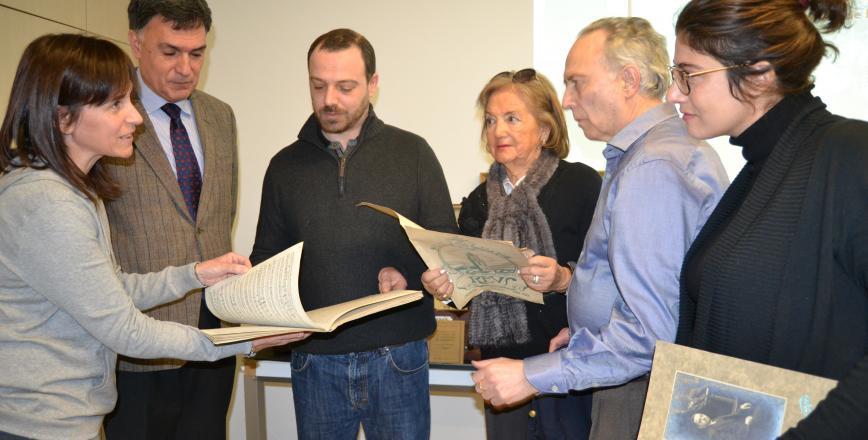 Imatge de la presentació del fons del mestre Vidal a l'Arxiu de Reus