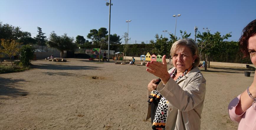 Imatge visita regidora Ensenyament escola La Vitxeta Reus