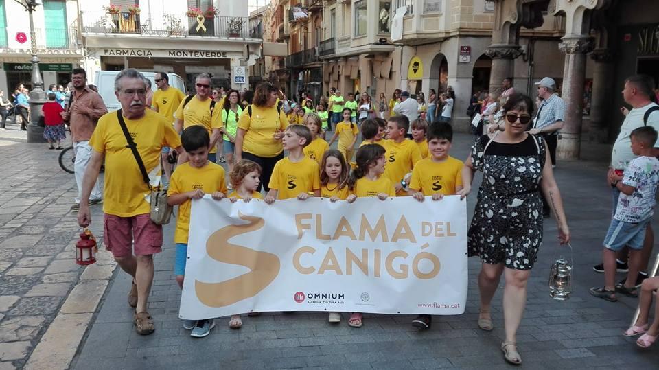 Sant Pere 2021: Recepció de la Flama del Canigó a l'Ajuntament de Reus i lectura del manifest