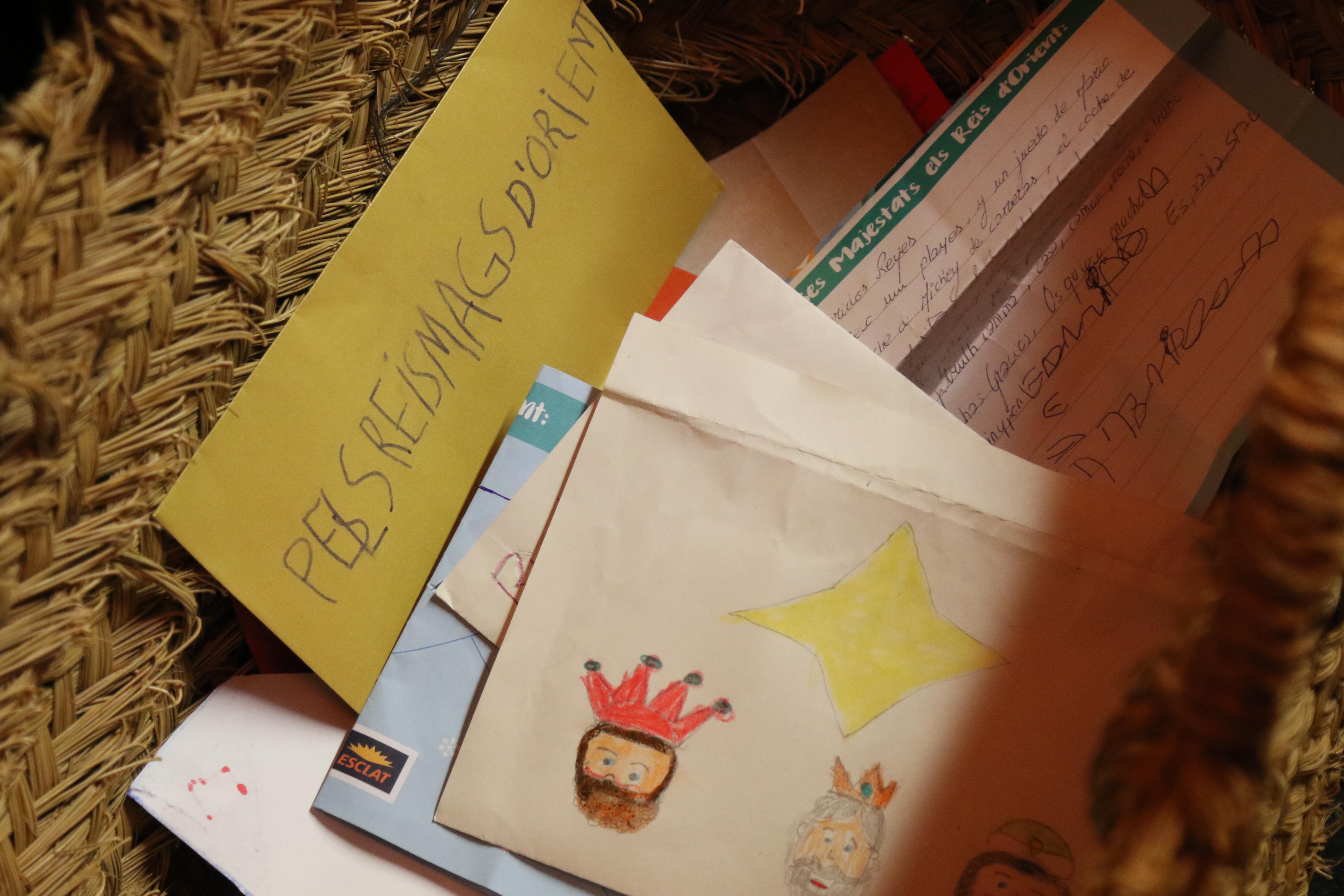 Recollida de cartes per a SSMM els Reis d'Orient