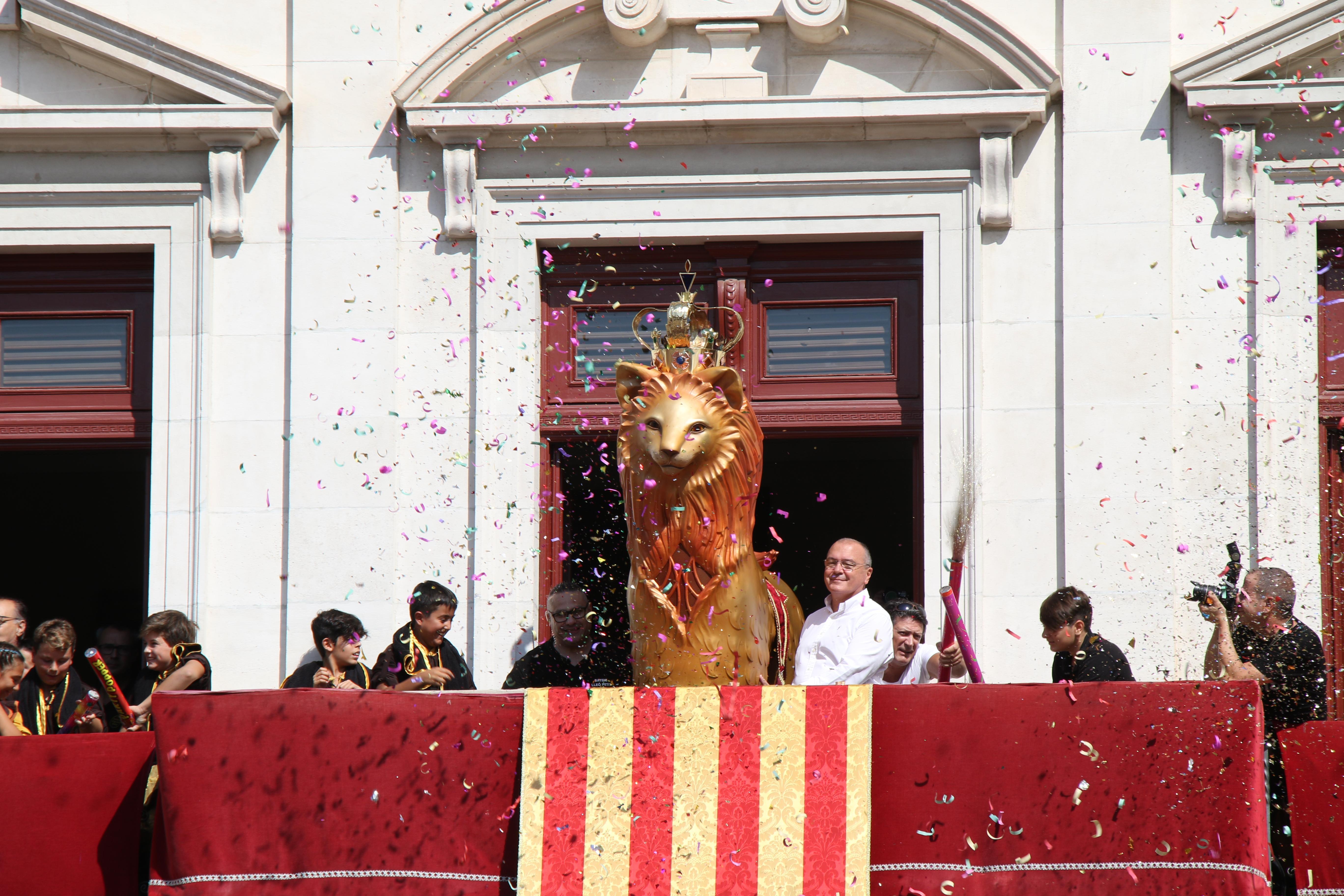Acte de donació del Lleó petit de Reus a la ciutat