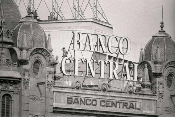 DIM21 Assalt al Banc central