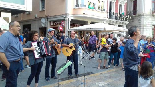 CICLE MÚSICA ALS BARRIS - Havaneres amb Balandra