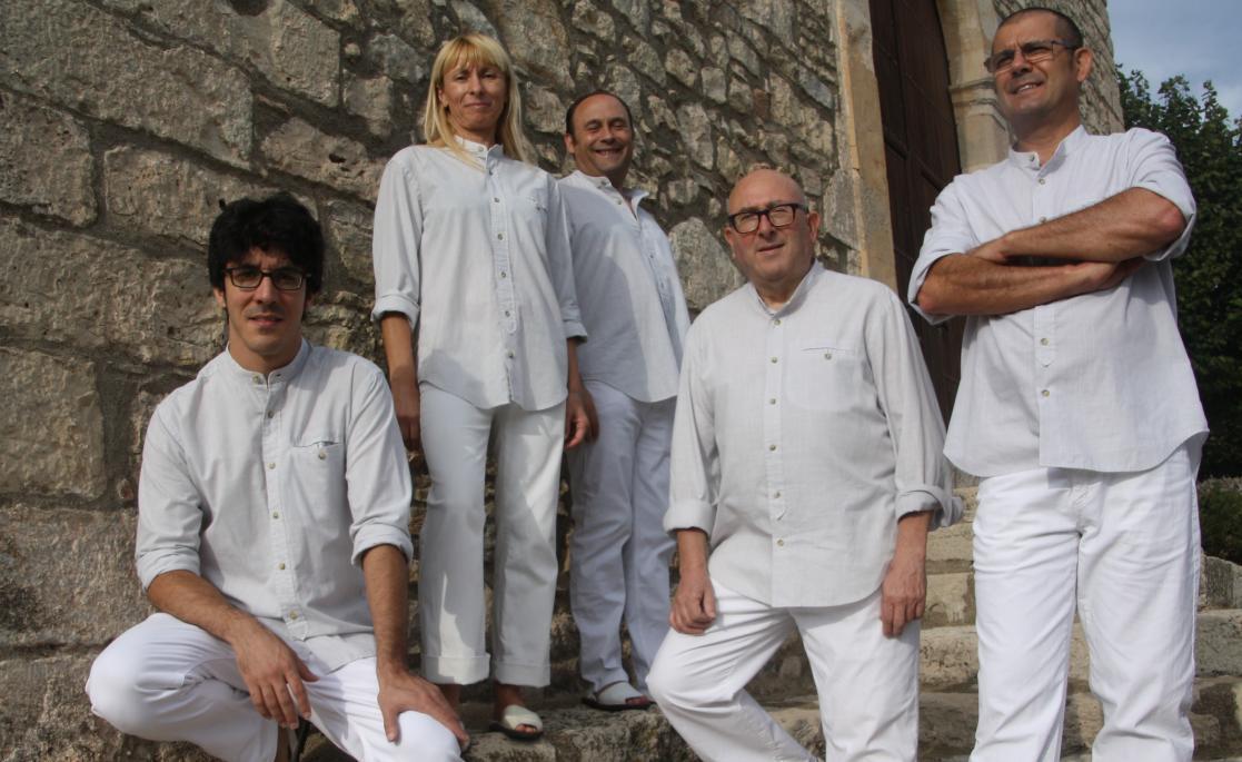 CICLE MÚSICA ALS BARRIS - Havaneres amb Les Veus de Reus