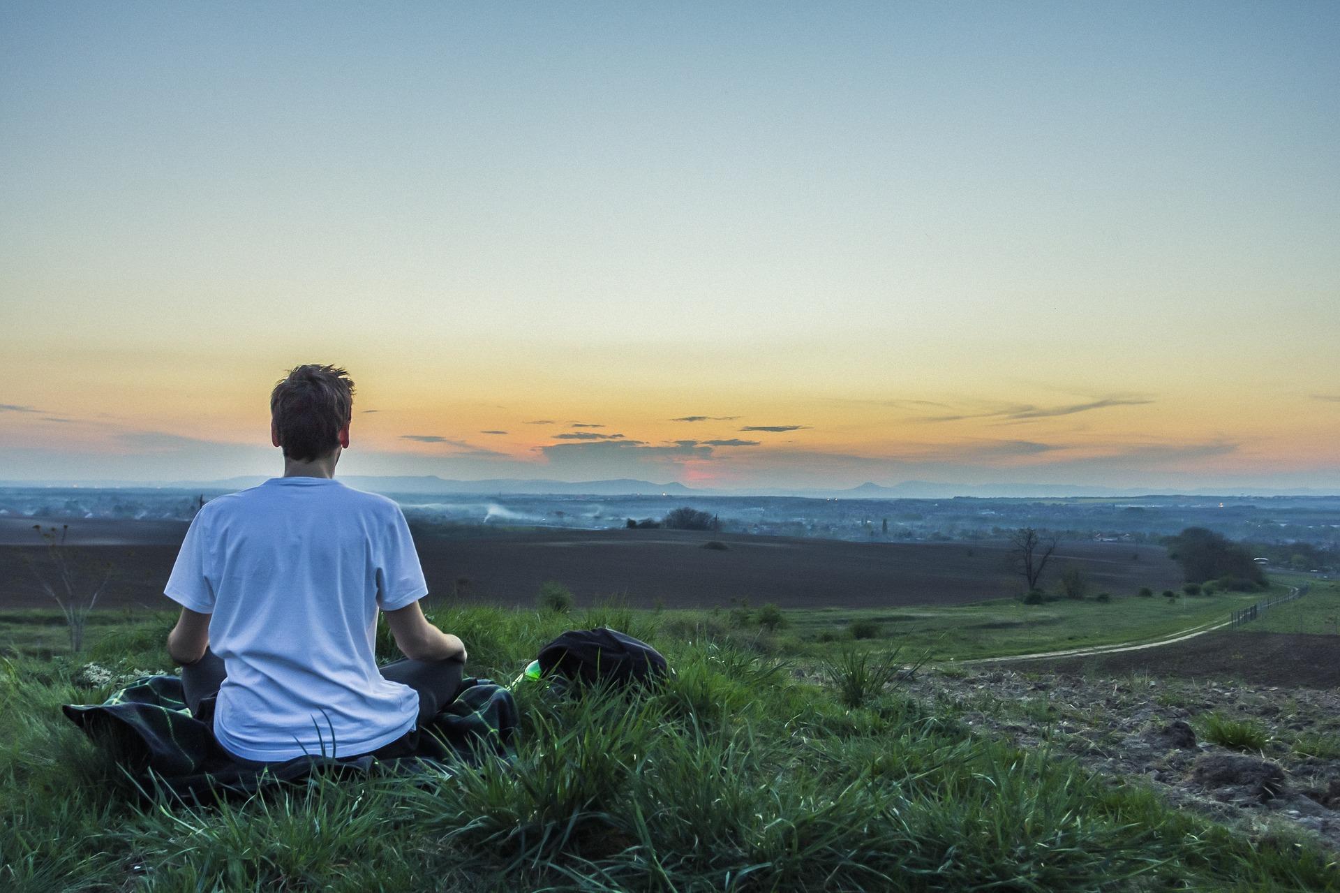 Atura't i respira espai meditació per adults.