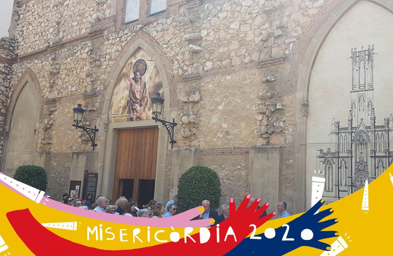 Misericòrdia 2020: ofrena floral a la majòlica de la Mare de Déu de Misericòrdia