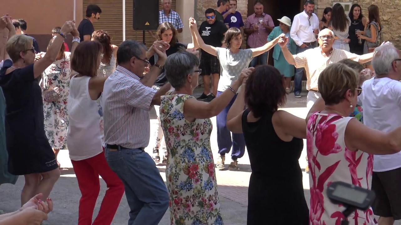 CICLE MÚSICA ALS BARRIS - Sardanes amb la Cobla Reus al barri Fortuny