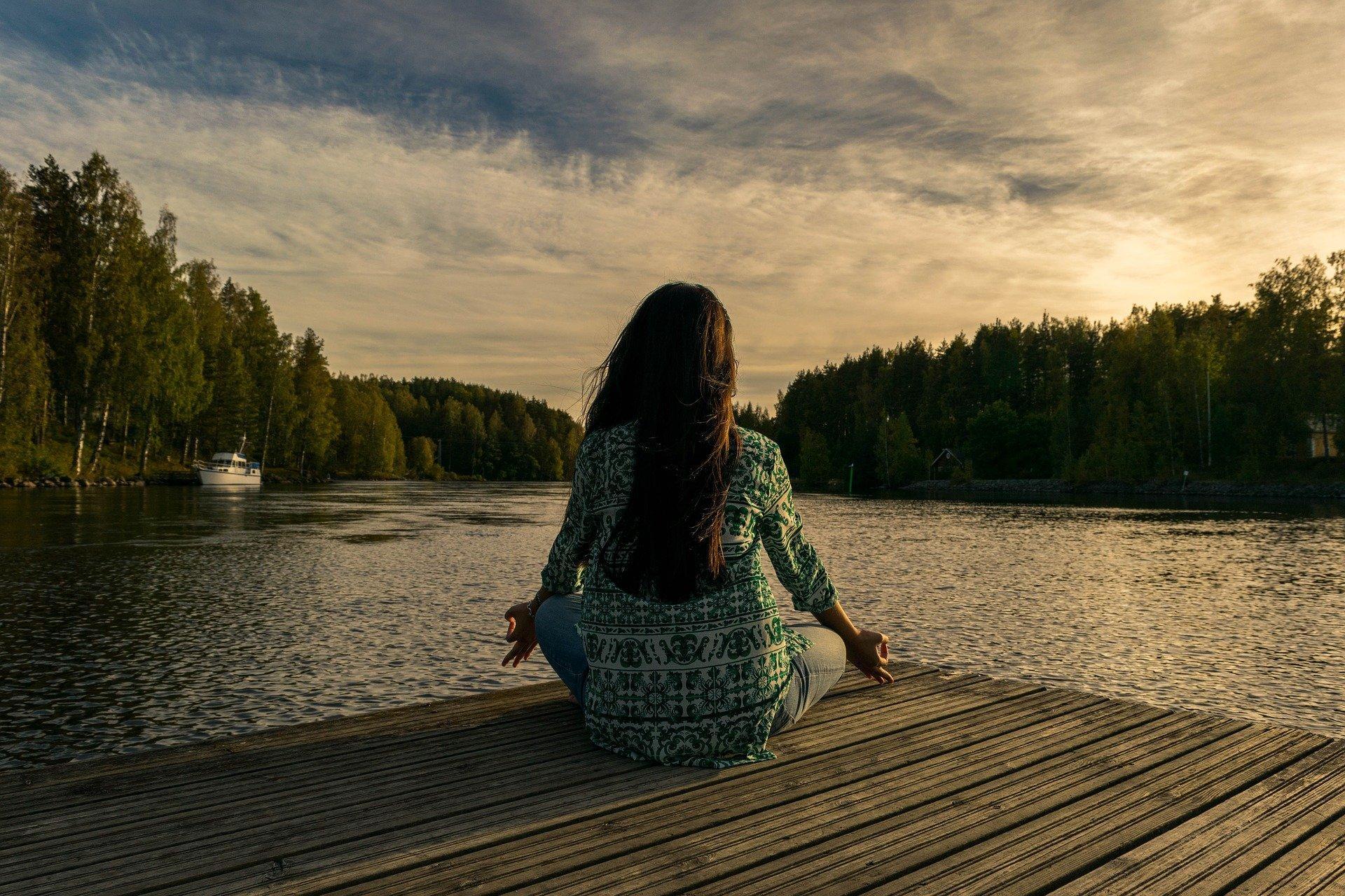ATURA'T I RESPIRA - espai de meditació per adults.