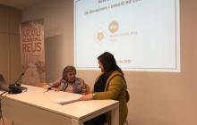 Signatura de la donació de documentació a l'Arxiu Municipal