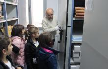 Visita dels alumnes de l'escola Abel Ferrater