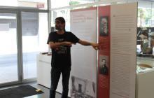 Joan Navais explicant l'exposició