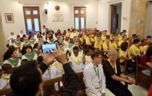 Els petits cantors omplen el Saló de Plens