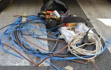 Foto del material elèctric requisat