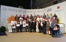 Foto de família guardonats Premis Esport i Ciutat Reus 2018