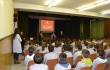Imatge de la xerrada feta al Col·legi Pare Manyanet el dimecres 21 de novembre durant la intervenció de la regidora Vilella