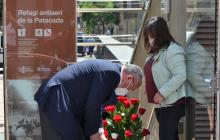 Ofrena floral de l'Ajuntament de Reus a les víctimes de l'Holocaust